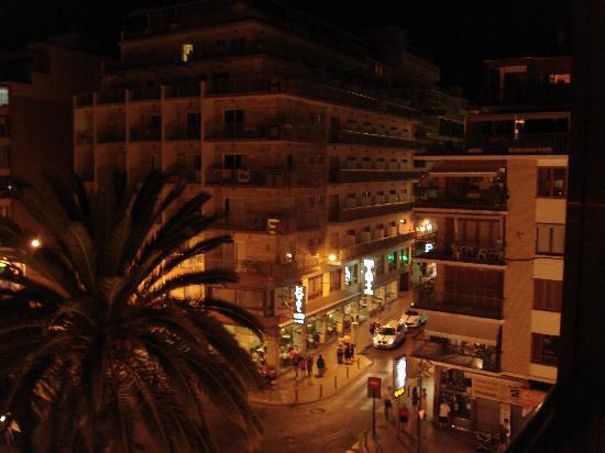 Hotel Colon : de la chambre côté ville,la nuit