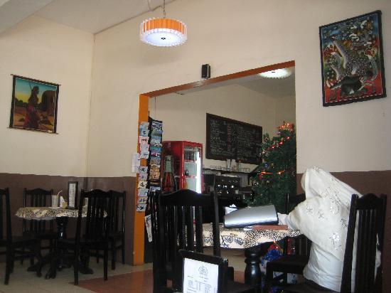 Moshi Leopard Hotel: cafe, near Leopard Hotel. Moshi's center