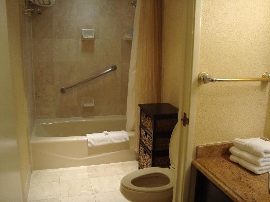 The Waterfront Beach Resort A Hilton Hotel Bathroom