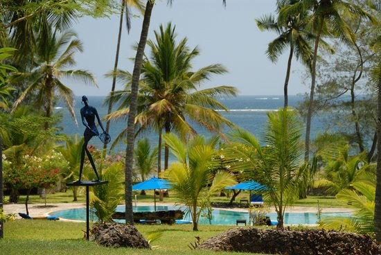 Msambweni, Kenia: Kaskazi Beach House is facing the vast blue Indian Ocean