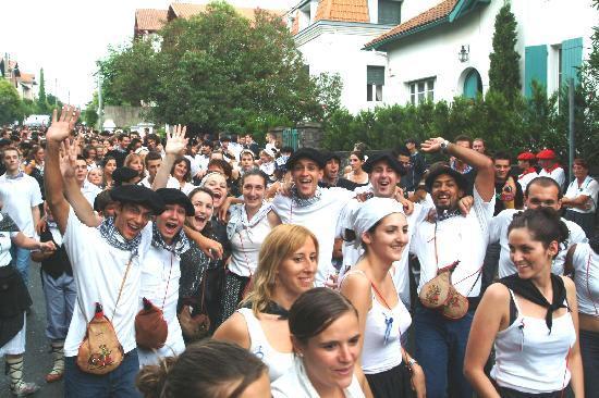 Fête Basque en août à Hendaye