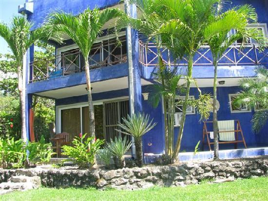 Hotel Casa Azul: Front of Casa Azul