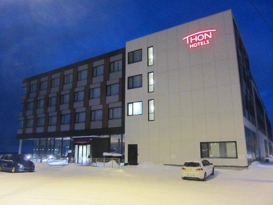 Thon Hotel Kirkenes: Outside of hotel - January 2011