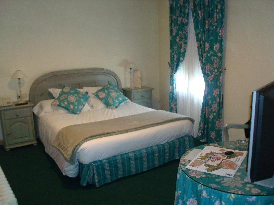 Alp, Espagne : Typical Hotel Juame Bedroom