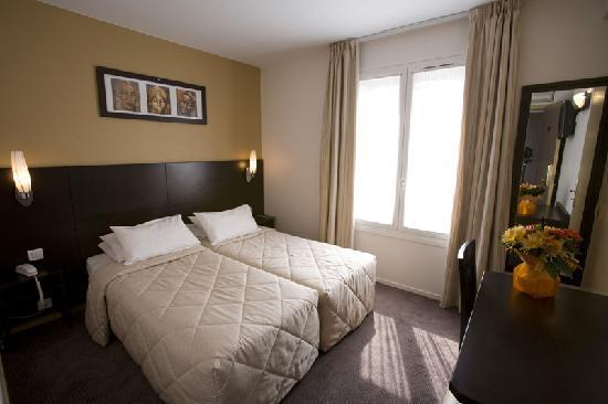 Hotel les Hauts de Passy: chambre twin rénovée en 2009