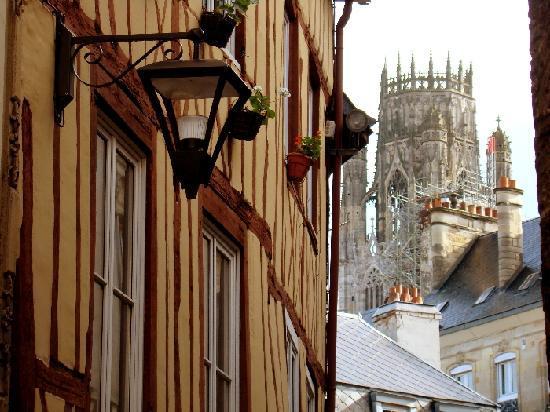 Rouen, France: Auch heute noch ist der alte Stadtkern gut erhalten