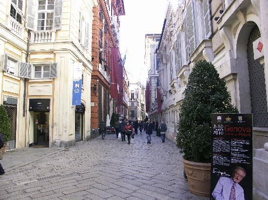 Genoa, Italy: Fußgängerzone