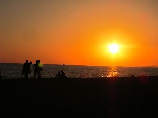 BJ`S Oceanside: Sunset at BJ's Oceanside
