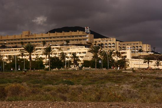 Sunrise Beach Maxorata: too big...