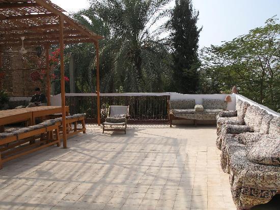 La Maison de Pythagore: la terrasse pour le petit-déjeuner