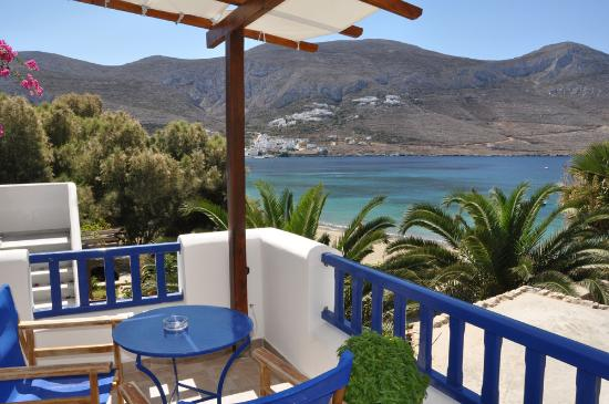 Levrossos Beach Apartments: view from the balcony
