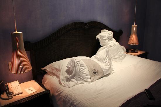 Charleston Cartagena Hotel Santa Teresa : Comfy bed and Ipod dock