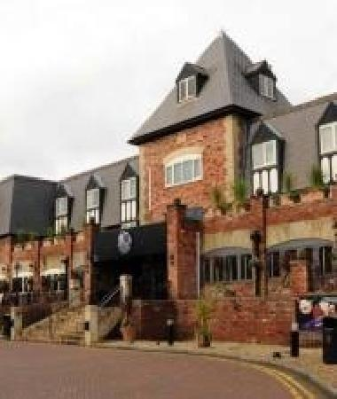 Victory Chop & Ale House: Verve Grill at VILLAGE Manchester Cheadle
