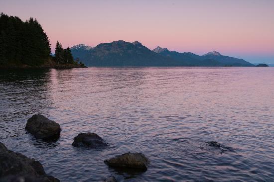 La Sirenuse Lake Resort: Amanecer desde la playa de La Sirenuse