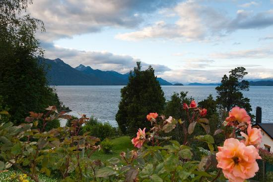 La Sirenuse Lake Resort: Desde los jardines 2