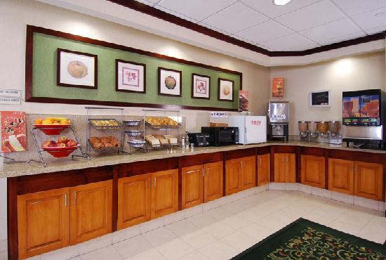 Fairfield Inn & Suites Las Vegas South: Breakfast Area