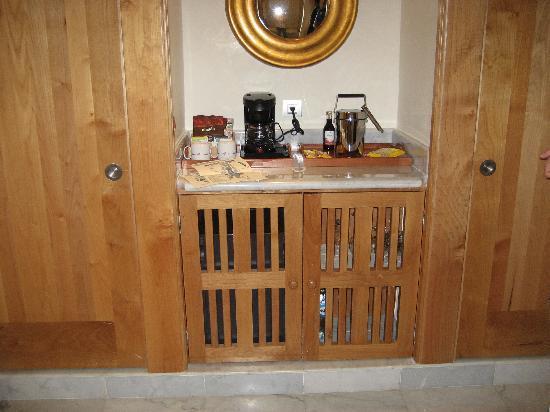 Iberostar Grand Hotel Paraiso: Detalle del minibar