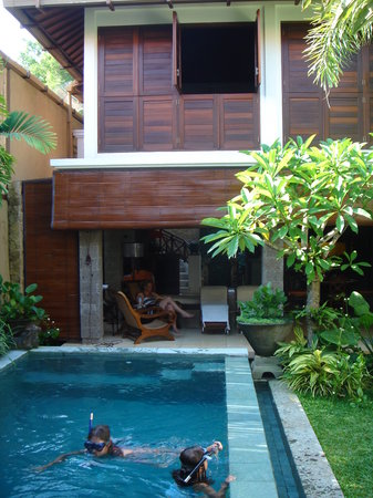 Umah Watu Villas: Pool