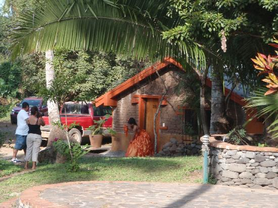 Mar de Jade Retreats Wellness Vacation: A local uses the beautiful setting for quincineara photos