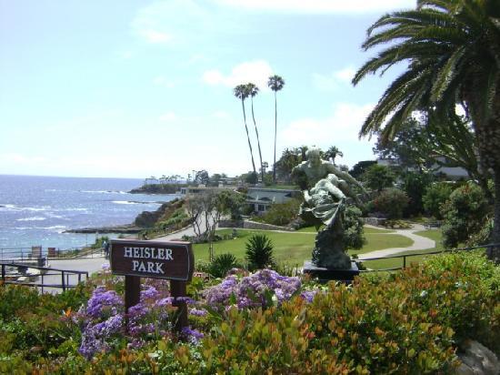 See public art with Laguna Beach Art Tours