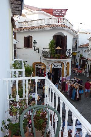 Hostal Miguel: Vue de notre balcon le jour...