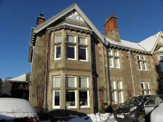 Ardfern Guest House: In The Snow