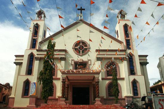 Masbate City, Filippinerna: Facade of San Antonio de Padua Cathedral