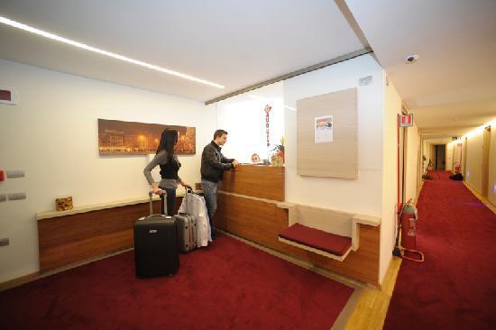 Al Marinaio Hotel : Reception