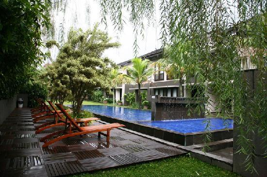 Summer Hill Private Villas & Hotel: swimming pool