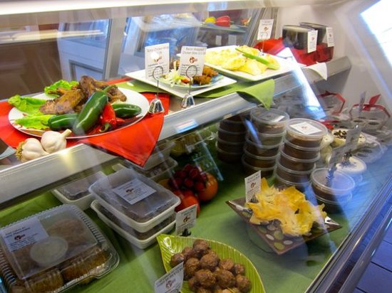 Gourmet in a Pinch: Prepared Food to Go in Deli Coolers