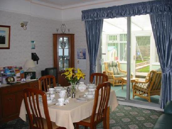 Glendevon Bed & Breakfast: Dining Room