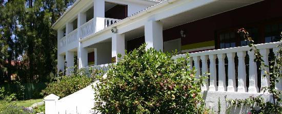 Cape Khamai Guest House: Entrance to the Guest House