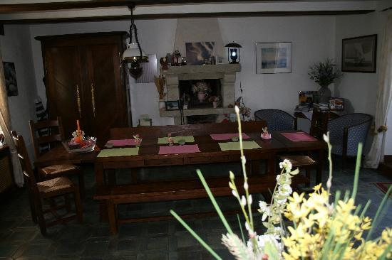Gites et Chambres Rocheplate : La salle à manger