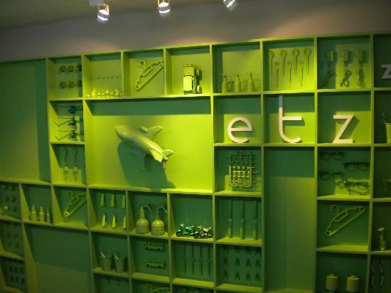 ETZzz Hostel: trendy art in ETZ