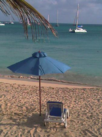 Mary's Boon Beach Resort and Spa: Steps from the beach & bar