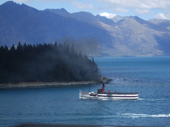 ‪Lake Wakatipu‬