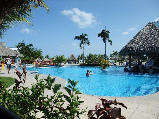 Hotel Playa Blanca Beach Resort: Pool