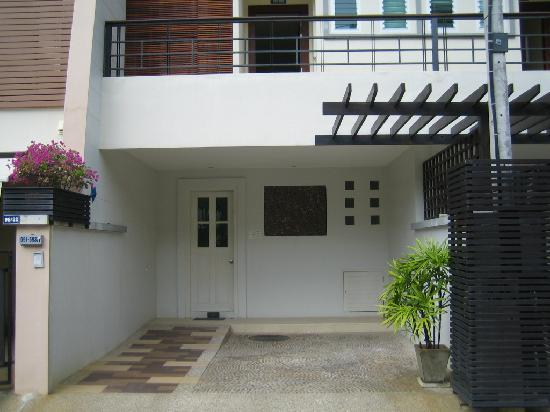 The Beach Boutique House: Private entrance to Room