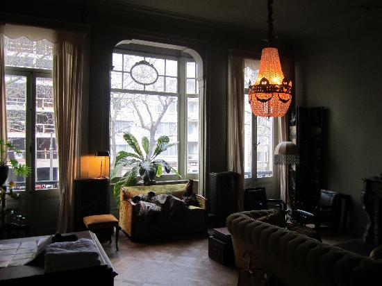 Boulevard Leopold Bed & Breakfast: our lounge