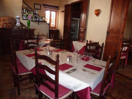 El Posit: Inside of Restaurant