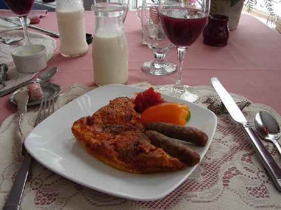 Garth Woodside Mansion Estate: The breakfast