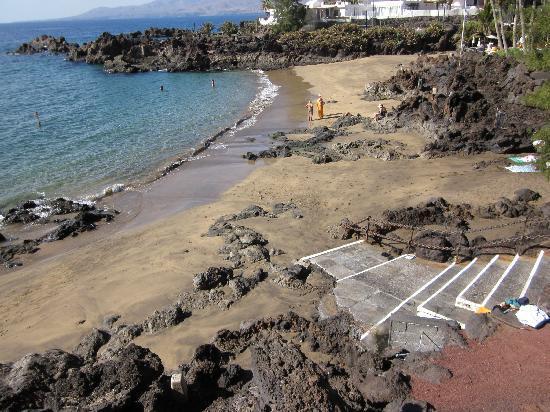 Los Fariones Hotel: Private beach