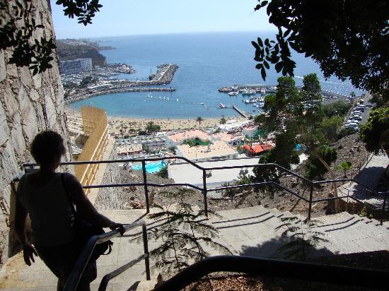 Haiti Apartments Puerto Rico: Many stairs to get to The Haiti