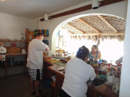 Hotel Los Nidos Inn: Kitchen is always stock with food to eat & make