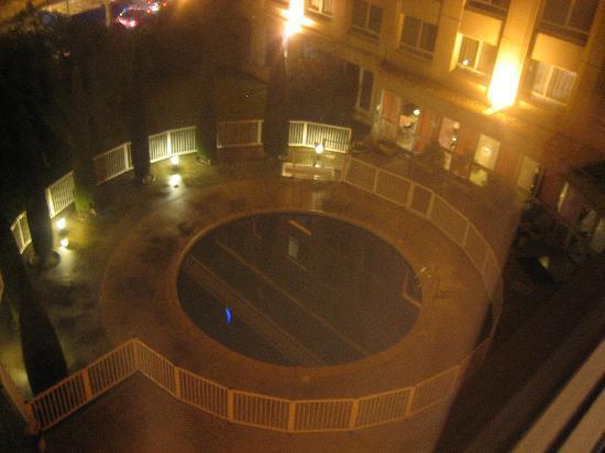 Novotel Suites Montpellier: petite piscine