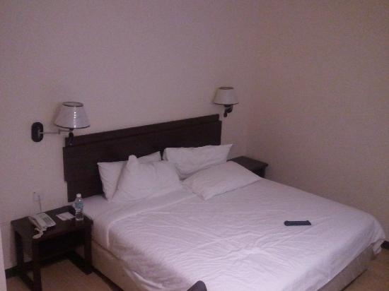 De Garden Hotel: Decent Bed