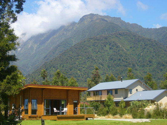 Ribbonwood Retreat: Our cottage and house, set in the Westland National Park