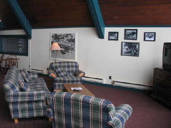 Snow Lake Lodge: Lobby