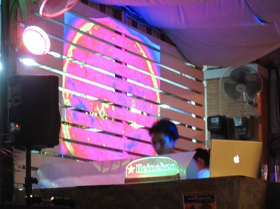 Vinyl Cafe: Nice Projections