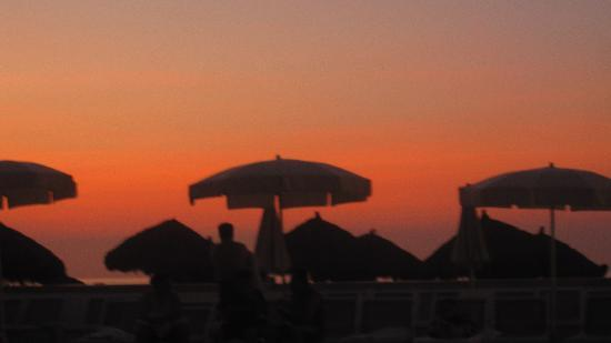 Buenaventura Grand Hotel & Great Moments All Inclusive: Sunset from the beach at the hotel